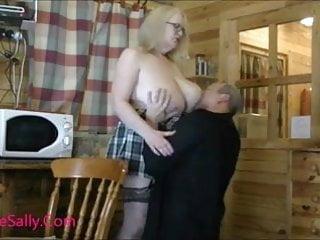 Lucky guy enjoys Mature Sally