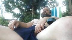 Str8 daddy jerking in the garden