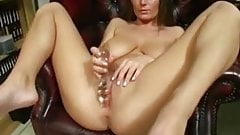 Milf play with pussy