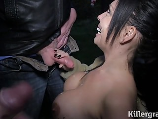 Hot Milf sucks off horny doggers