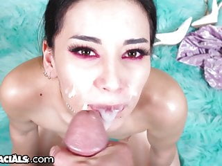 1000Facials Daddy Your Dick Makes Me Cry!