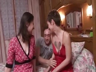 2 french housewives fucked at home