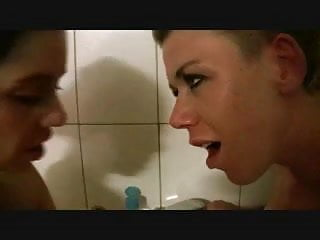 two hottys in the bathtub PART 3of3 - german - csm