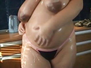 Gigant Tits Pregnant Redhead Babe Undressing