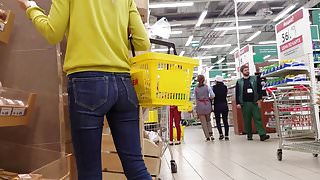 Asses in the supermarket