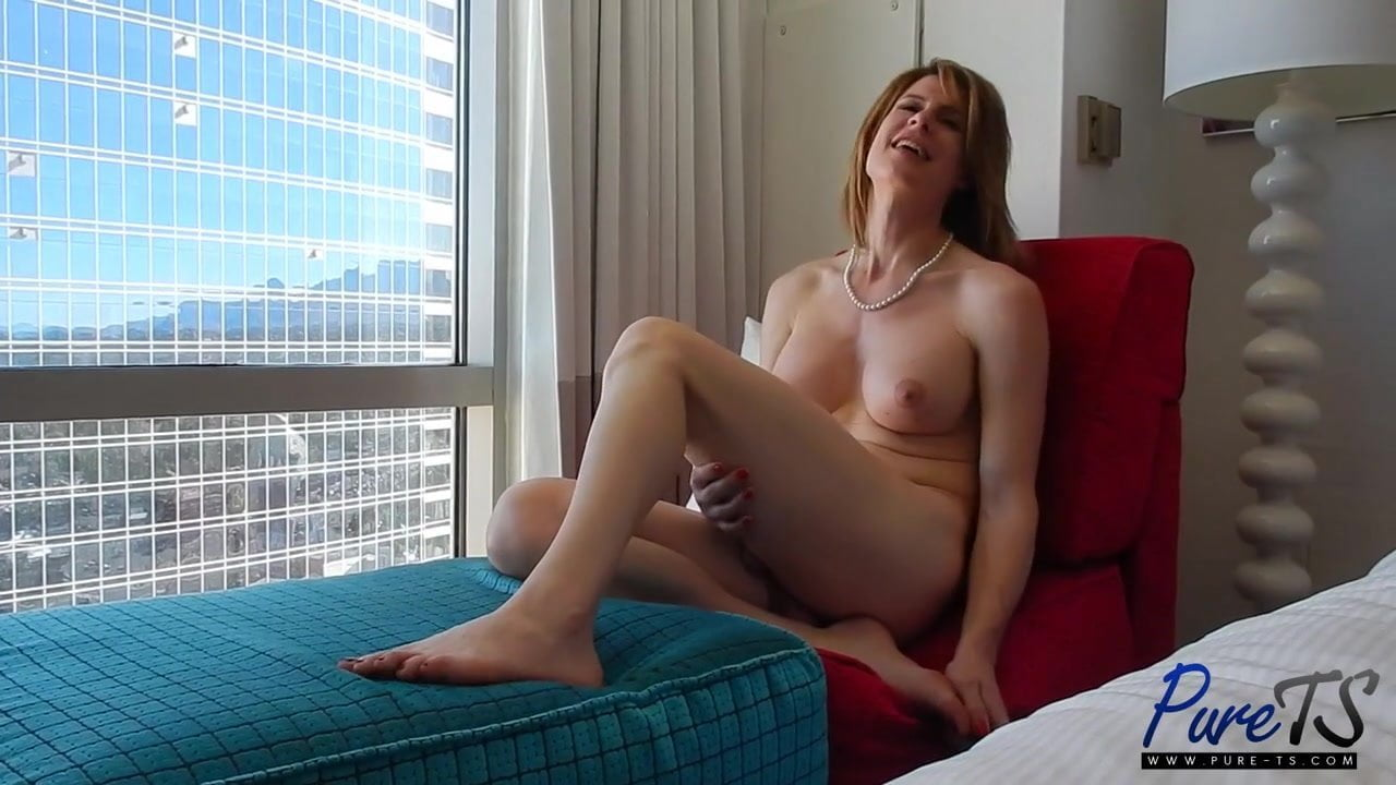 Shemale Delia Delions Having Sex With A Girl-pic7466