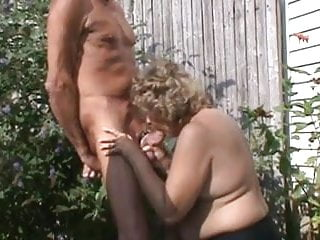 Giving good head in back yard