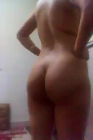 Butt touching in nude