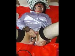 Sissy in Knebel muss wichsen - gagged sissy has to wank