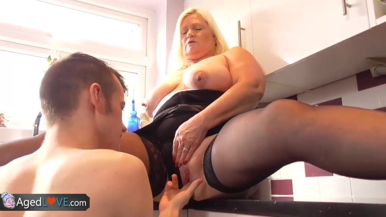 Free blonde chubby porn-8607