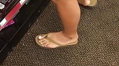 Hot legs and sexy feet, latina at the store