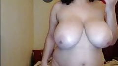 Dirty curvy busty whore rides a dildo on webcam...