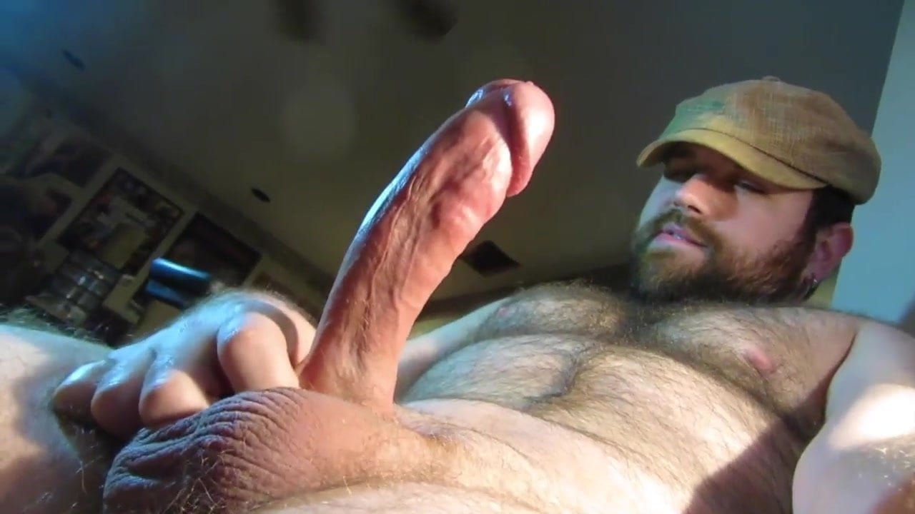 Horny straight guy turns for bear