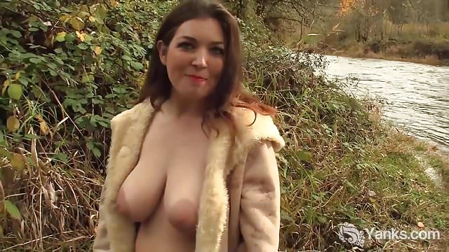 Preview 1 of Yanks Babe Amber Alias Orgasms Outdoors