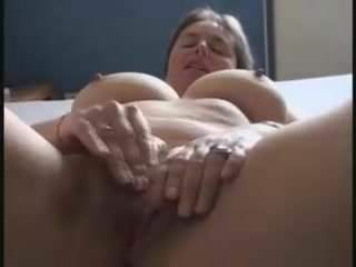Real amateur milf orgasm