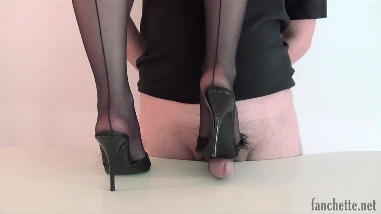 футджоб с каблуками и шпильками семенники