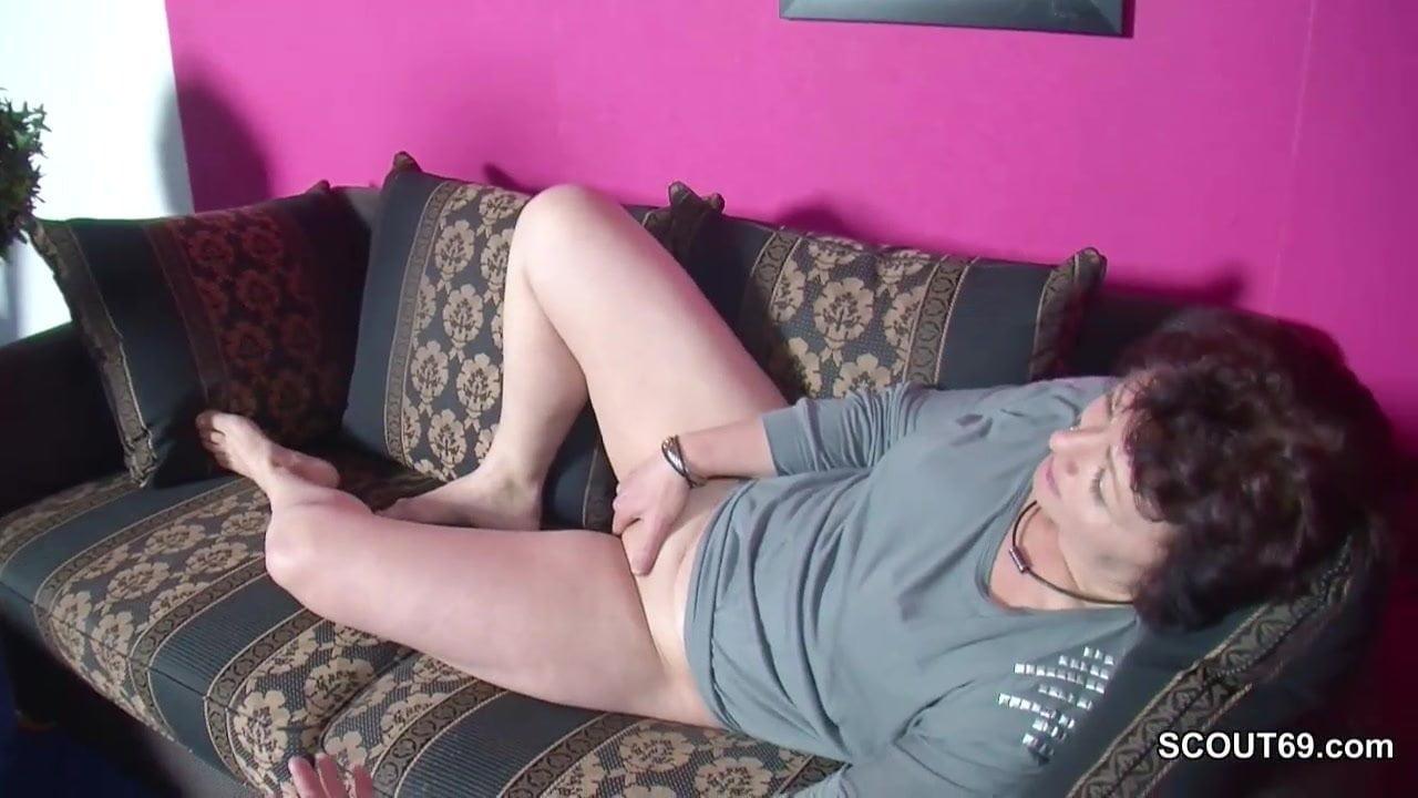 Mature tranny porn