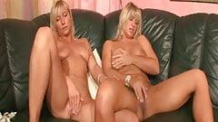 blonde lesbian milfs