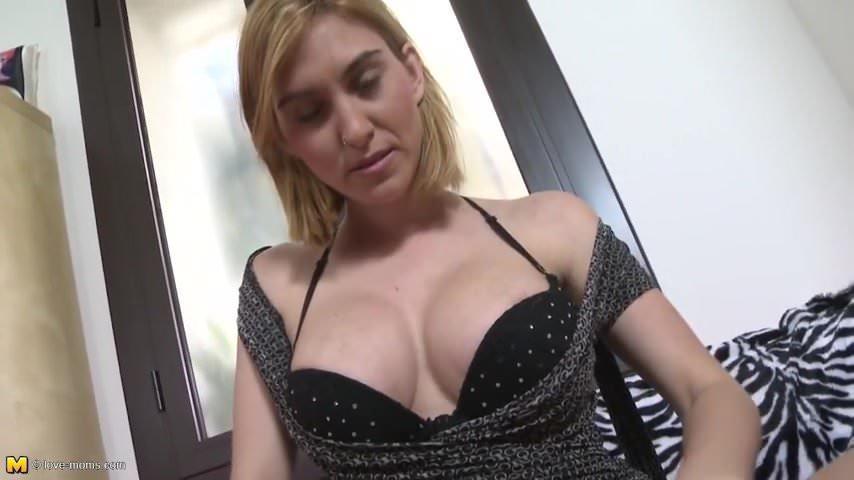 Amateur busty mom feeding her big pussy with toy