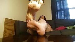 Sexy BBW joi feet soles