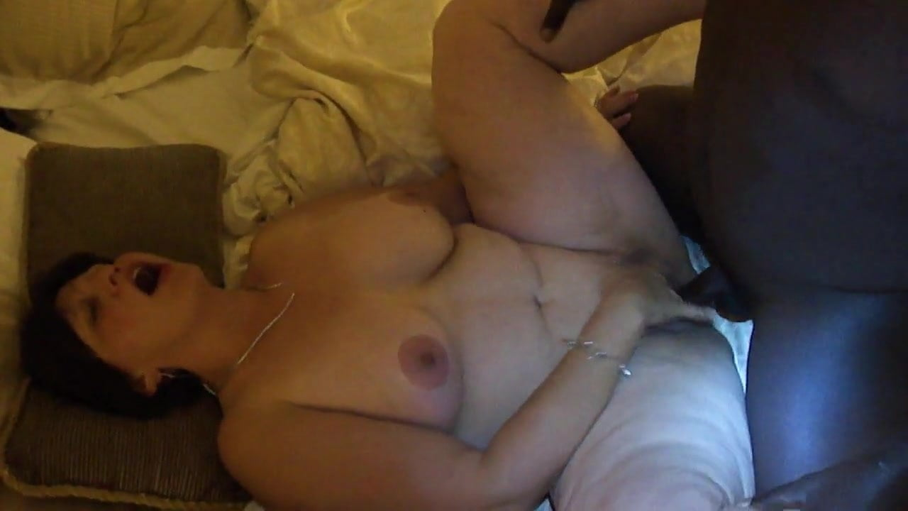 Wife Lets Friend Cum Her Tits