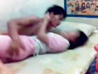 Download video bokep indonesia- muda mudi di kosan Mp4 terbaru