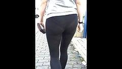 leggings-walk