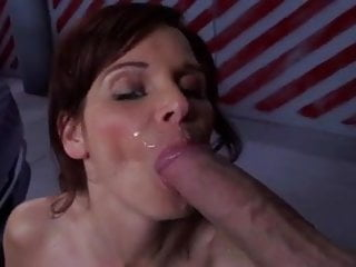 Syren De Mer gets huge facial cumshot