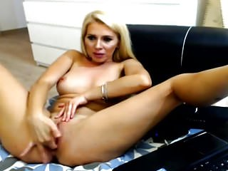 Blonde Babe With Beautiful Tits Fingering Pussy on Cam