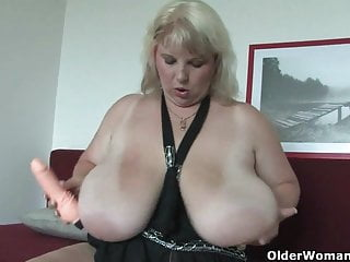 Did you know that big ladies try harder in bed?