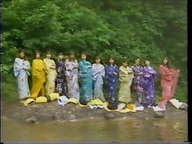 02温泉:日本&公共ヌードポルノビデオE9 - xHamster▶0:33