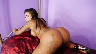 GoGo Fukme Shakes and Twerks Her Big Booty Nude in the Bedro