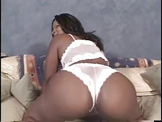 Skyy Black Deepthroat Big Booty
