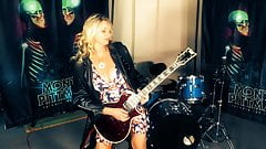 Funny! MILF Vicky Learn Guitar From Madonna's Guitarist!