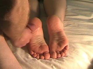 The best huge feet cumshot ever!!!
