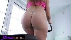 Fitness Rooms Horny gym chick fucks Personal Trainer's Thumb