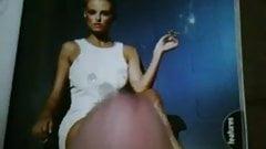 smoking babe tribute (basic instinct style pic) - mag wank
