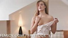 Suzie Carina cums for you
