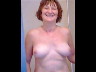 Pretty tits moving !!
