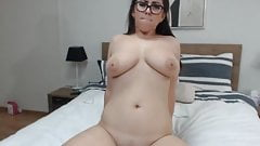 Beautiful Cam Babe Perform An Awesome Masturbation Show