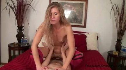 porn photo 2020 Young blonde masturbate webcam