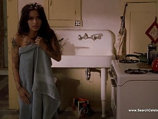 Download video bokep Sarah Shahi - Bullet To The Head (2012) Mp4 terbaru