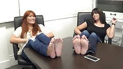 2 Models Show Off Their Wide, Wrinkled Soles