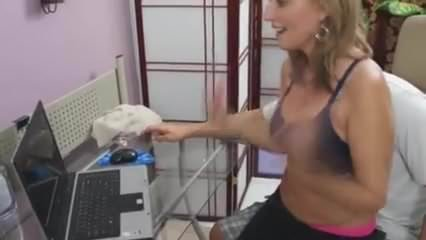 Free download & watch teaching mom how to use the computer         porn movies
