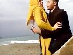 hijab kissing