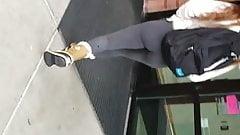 phenomenal ass in leggings