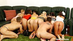 6 girs 2 guys sex party by Teenrs.com