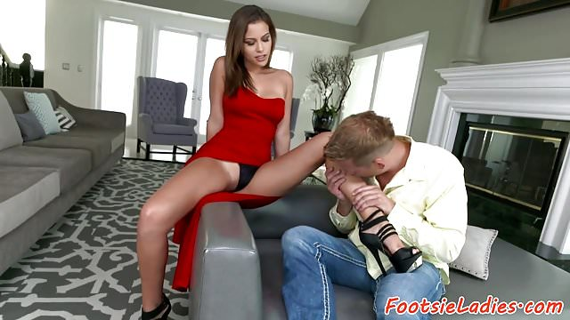 Preview 1 of Glamcore babe footworshiped and pussyfucked