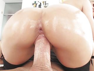 Jessa Rhodes's bouncing bubble butt