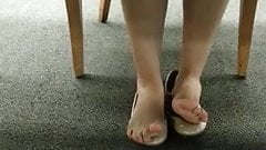 Brilliant Candid College Library Feet Shoeplay Toes